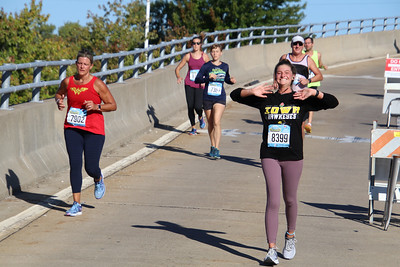 Quad Cities Marathon. Photo by Larry Engstrom