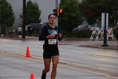 Quad Cities Marathon. Sunday Races. Photo by Larry Engstrom