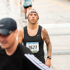 TBK Bank Quad Cities Marathon Sunday Races - Photo by Dave Shefield