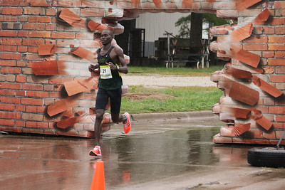 TBK Quad Cities Marathon. Photo by Tom Moye.