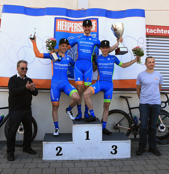 31.3.2019: Fritz Neuser and the podium 2019. Leon Echtermann 1er, 2er Florenz Knauer, 3er Florian Obersteiner und Jan Puschmann.