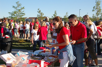 DSC_1013  Regis parents come together for tailgate party before our opening game against Valor.