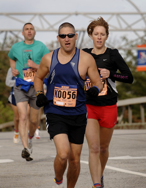 Eric Freidman, Merrick, 41, 25th 10k, 3rd age group, ahead of Heidi Jones, Channel 7, of NY who passed him to pace 21st.