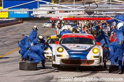 Pitstop for the #71 Tafel Racing Porsche 911 GT3 RSR: Wolf Henzler, Dominik Farnbacher