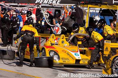 Refueling the Penske Porsche RS Spyder for Sascha Maassen