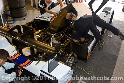 Crew working on the #007 Aston Martin Racing AMR/Lola Coupe B09/60: Adrian Fernandez, Harold Primat, Stefan Mücke