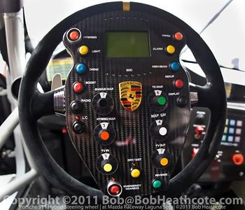 Hybrid steering wheel #911 Porsche Motorpsorts North America Porsche GT3R Hybrid: Romain Dumas, Richard Lietz
