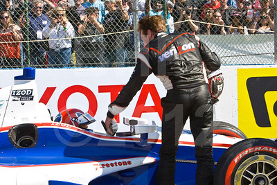 Celebrating victory, Will Power, Verizon Team Penske Chevrolet with Helio Castroneves