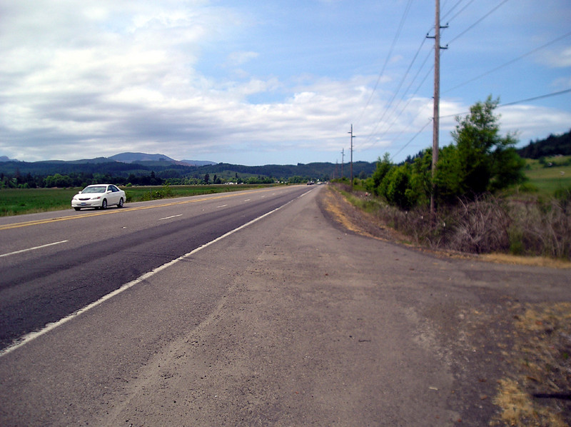 Starting the climb into the foothills of the coast range, on Highway 22 towards Grand Ronde.