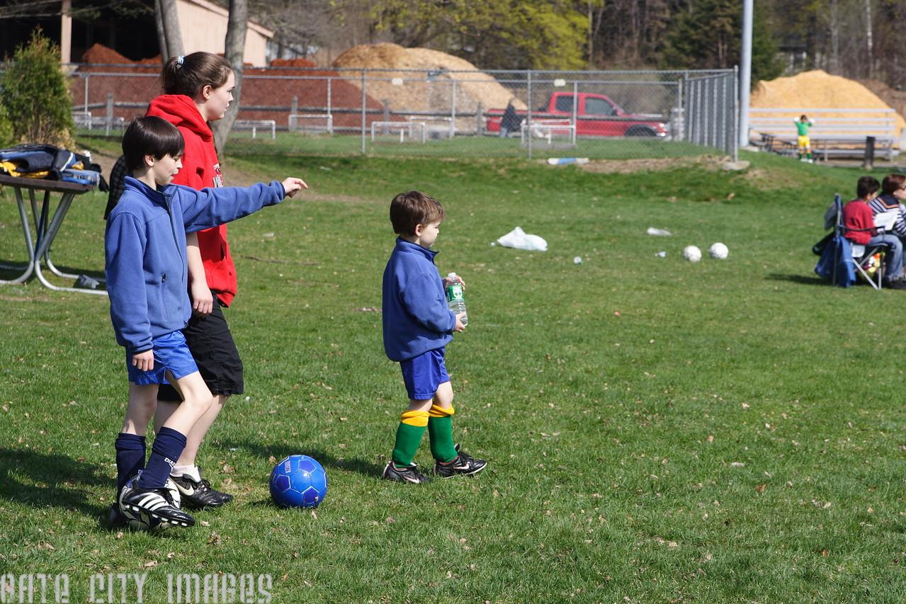 IMG_4869 Ian, Kristin, Brian soccer game