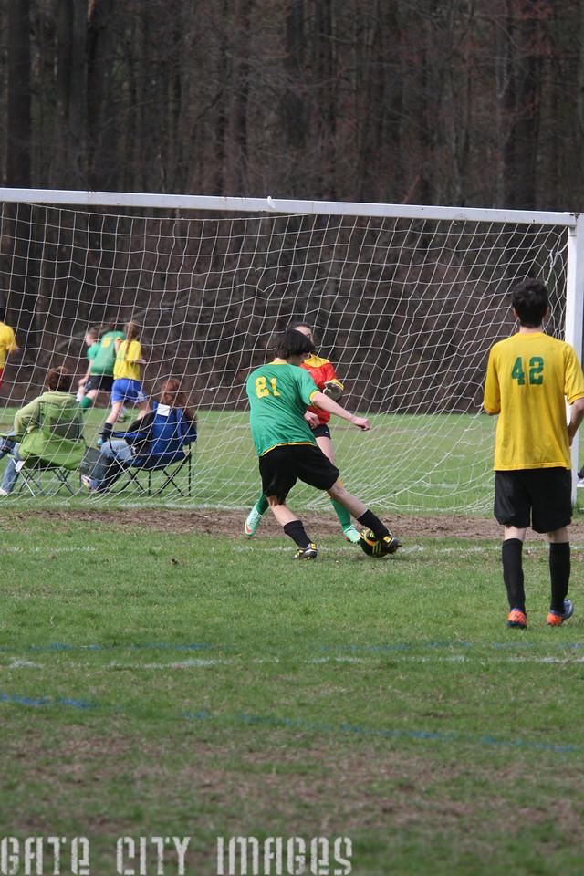 IMG4_42415 Ian goal seq U19 rec soccer