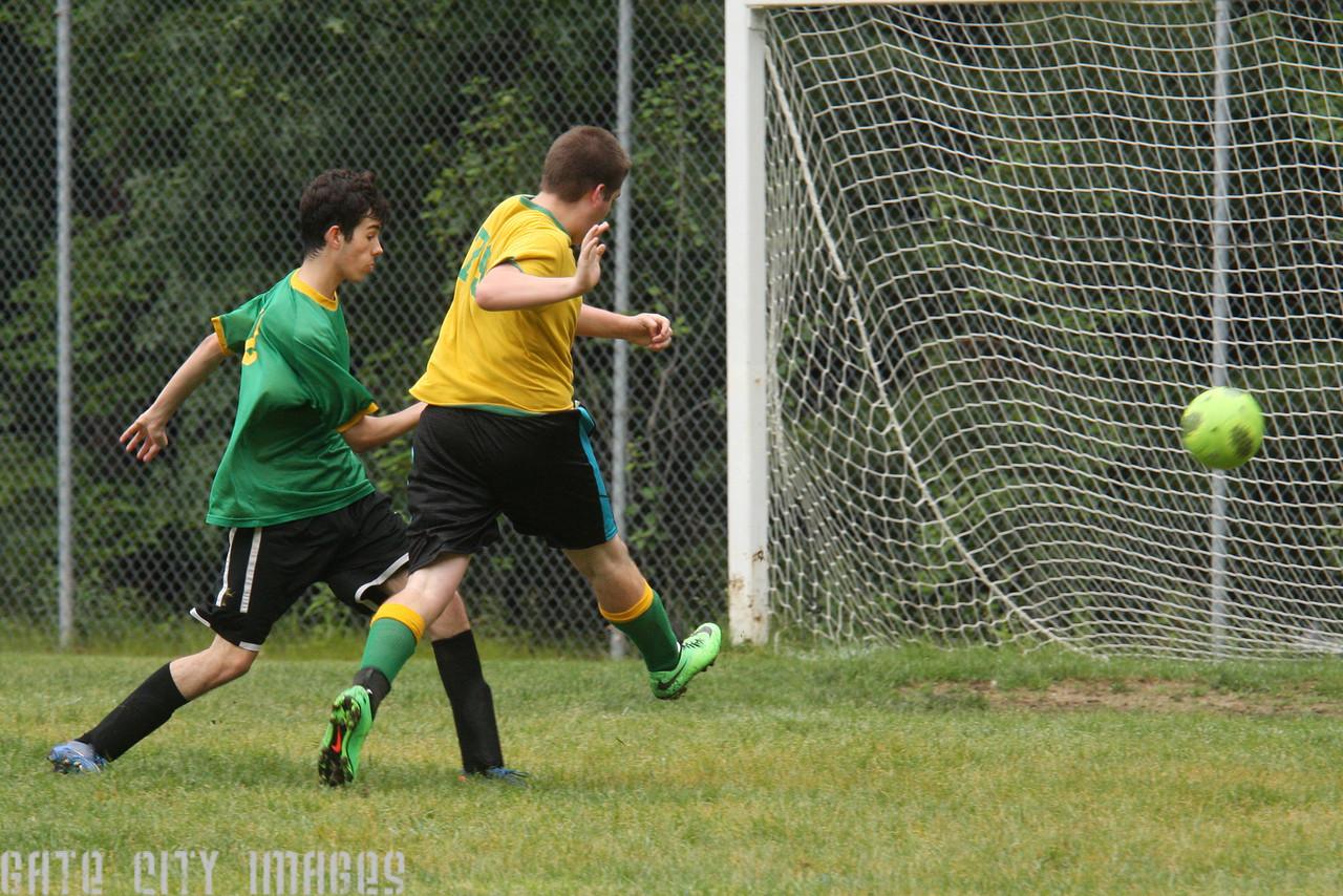 IMG4_43499 Garret goal U19 Rec Soccer trm