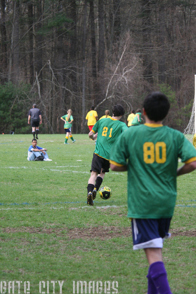 IMG4_42410 Ian goal seq U19 rec soccer