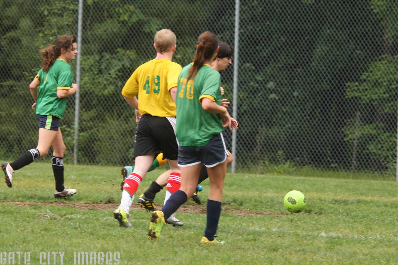 IMG4_43525 Ian goal seq U19 Rec Soccer trm