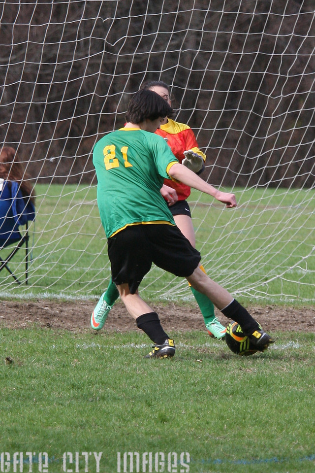 IMG4_42415 Ian goal seq U19 rec soccer trmzb