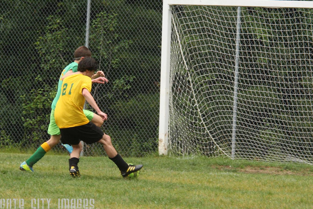 IMG4_43526 Ian goal seq U19 Rec Soccer trm
