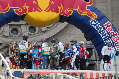 Red Bull Crashed Ice 2015 Team Comp