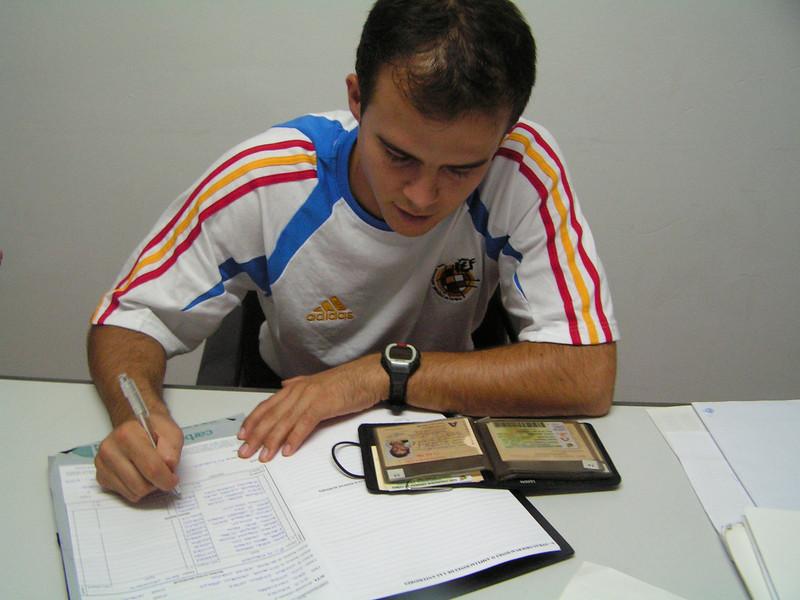 Haciendo el acta en el Zaragoza B - Alicante Temporada 2004-2005