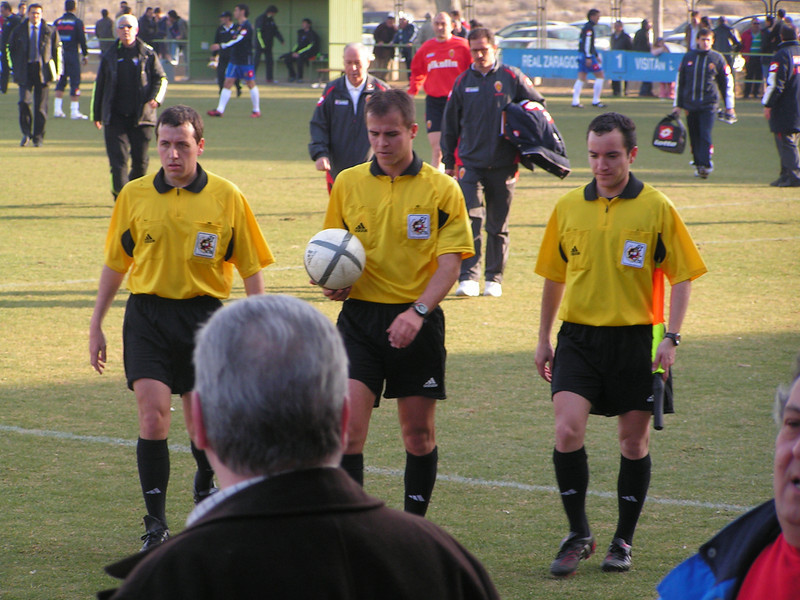 Salida del campo, Zaragoza B - Alicante Temporada 2004-2005