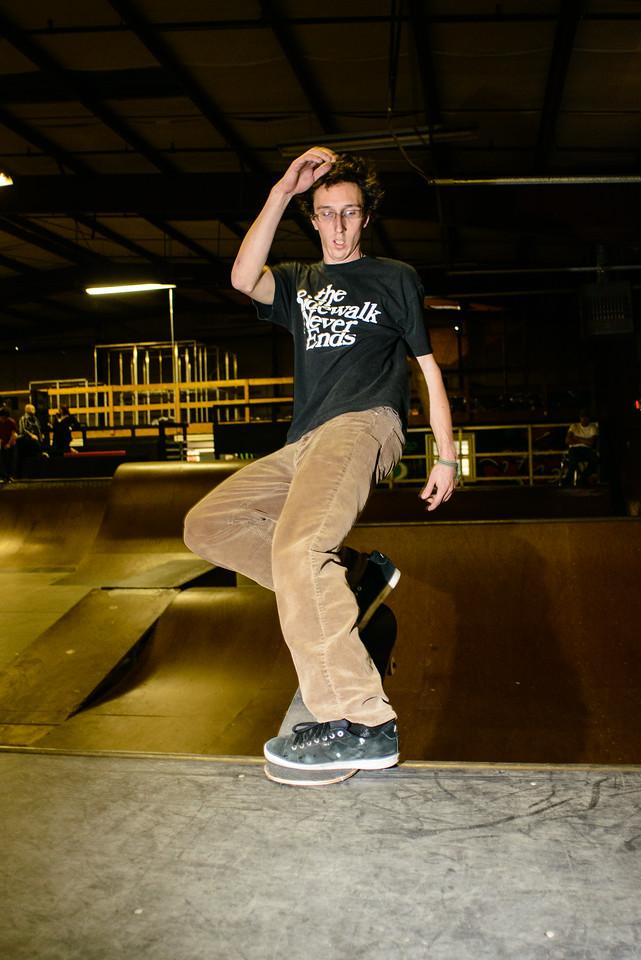 Jeremiah - frontside nose stall revert - Revert Skatepark Feb 2013