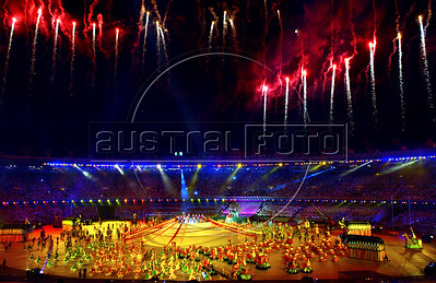 Artists perform at the opening ceremony of the XV Pan American Games in Maracana stadium, Rio de Janeiro, Brazil, July 13, 2007. About 5,500 athletes from 42 countries of America are expected in Rio de Janeiro to attend the July 13-29 Pan American Games 2007  (Austral Foto/Renzo Gostoli)