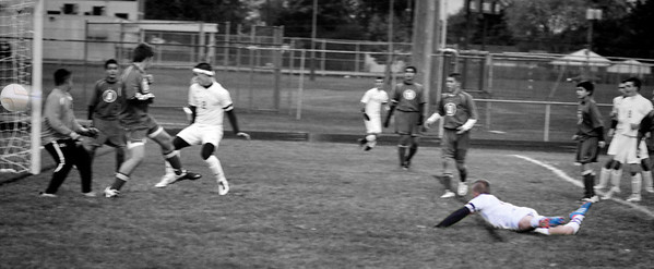 Gabe ball in net  _MG_0546 bw classic