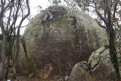Andy up high on Feet & Knuckles (V1), The Castle, Harveys Marbles. Photo by Andrew Grosser