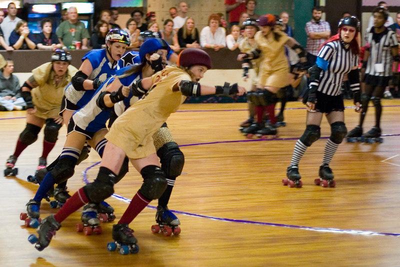 Speed Regime pivot battling for position.