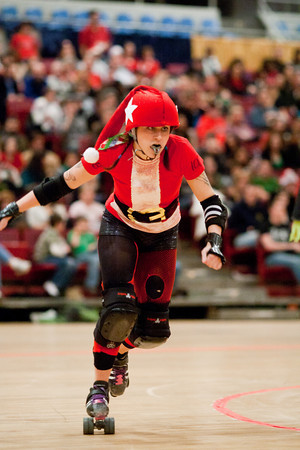 The battle of the unbeatens - Scare Force One vs. DC Demon Cats. Preceded by an expo bout between the Santas and the Grinches.