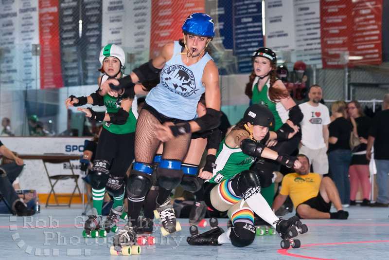 Albany All Stars versus Central New York Roller Derby at the 2011 Empire Skate Showdown.
