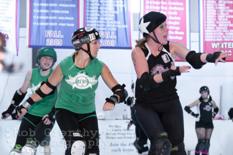 Roc City versus Long Island Roller Girls at the 2011 Empire Skate Showdown.