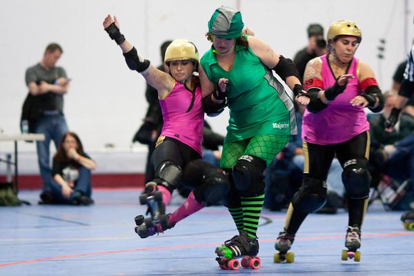 Majority Whips pivot Styx N Stones send Cherry Blossom Bombshells jammer The Ultimate Whorrior flying - 11/05/2011