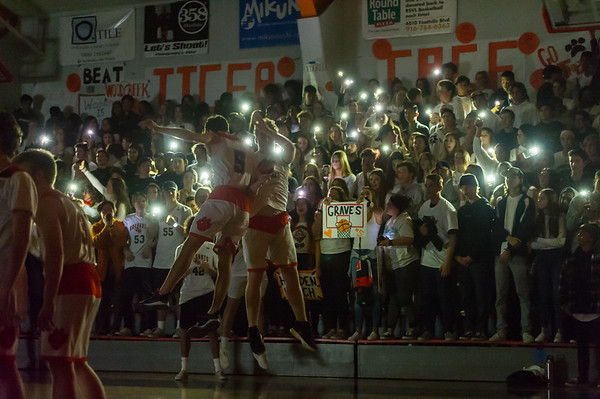 Roseville High School Varsity Boys Basketball vs Woodcreek 1-18-19