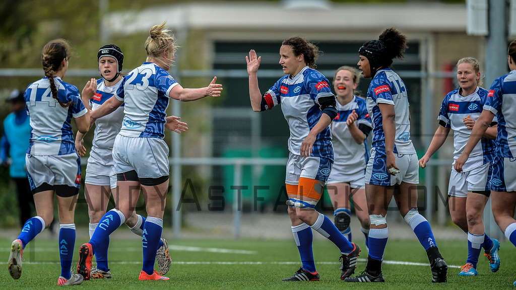 16-04-2016: Rugby: RUS v AAC Rugby: Amsterdam   Player 23 (unidentified) and Saskia H Herrmann from AAC  Fotograaf Andy Astfalck