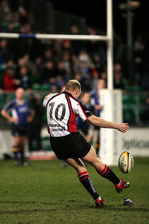 Duncan Hodge (10) kicks Edinburgh's first penalty against Leinster at Donnybrook. Leinster won the match 13-6. Hodge was sin binned in the 48th minute but returned to kick their second penalty which earned them a losing bonus point.