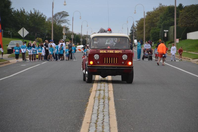 Run Thru Deal Mile - 2012 001