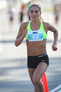 Danielle Allen - ASICS Noosa Bolt (Noosa 5k Bolt) - 2015 Super Saturday at the Noosa Triathlon Multi Sport Festival, Noosa Heads, Sunshine Coast, Queensland, Australia. Camera 2. Photos by Des Thureson - http://disci.smugmug.com