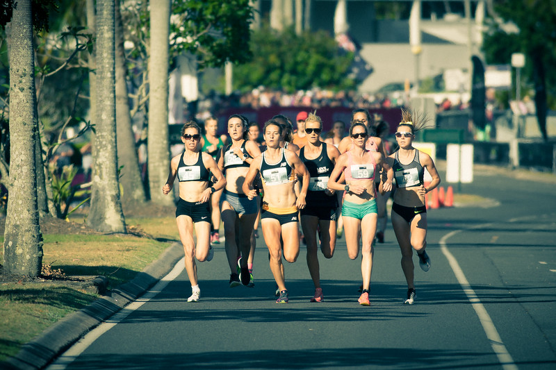 """That 70's Look"" - Genevive Lalonde, Eloise Wellings, Victoria Mitchell, Linden Hall - 2016 ASICS Bolt (Noosa 5k Bolt Run) - Super Saturday at the Noosa Triathlon Multi Sport Festival, Noosa Heads, Sunshine Coast, Queensland, Australia. Saturday 29 October 2016. - Camera 1"