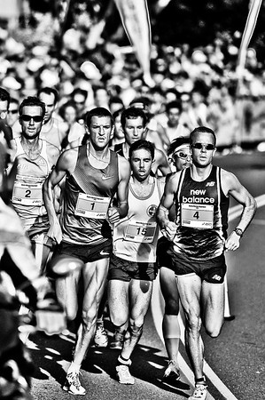 Shortly after the Men's start - Noosa 5k Bolt, Noosa Multi Sport Festival, Noosa Heads, Sunshine Coast, Queensland, Australia; 30 October 2010. (Hardcore acros)