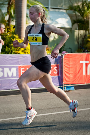 Women's 4th place: Melanie Daniels - 2011 Men's & Women's Asics 5k Bolt (Run) - Super Saturday at the Noosa Triathlon Multi Sport Festival, Noosa Heads, Sunshine Coast, Queensland, Australia; 29 October 2011.