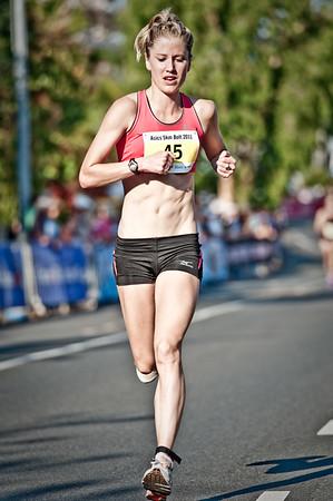 "Alternate Processing: ""Dave Hill Temp"" - Women's 5th place: Georgina Clarke - 2011 Men's & Women's Asics 5k Bolt (Run) - Super Saturday at the Noosa Triathlon Multi Sport Festival, Noosa Heads, Sunshine Coast, Queensland, Australia; 29 October 2011."