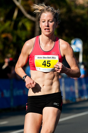 Women's 5th place: Georgina Clarke - 2011 Men's & Women's Asics 5k Bolt (Run) - Super Saturday at the Noosa Triathlon Multi Sport Festival, Noosa Heads, Sunshine Coast, Queensland, Australia; 29 October 2011.