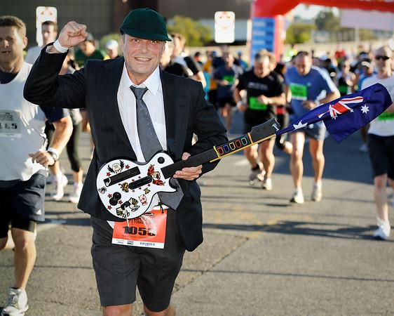 """Runner Number 1055 - 2011 Bridge to Brisbane Fun Run; Sir Leo Hielscher Bridge (Gateway Bridge) to RNA Showgrounds. Photos by Des Thureson:  <a href=""""http://disci.smugmug.com"""">http://disci.smugmug.com</a>."""
