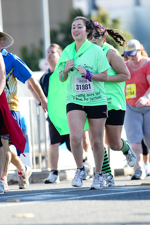 """31981 - 2012 Sunday Mail Suncorp Bridge to Brisbane Fun Run; Sir Leo Hielscher Bridge (Gateway Bridge) to RNA Showgrounds. Camera 2. Photos by Des Thureson:  <a href=""""http://disci.smugmug.com"""">http://disci.smugmug.com</a>. - The images in this gallery have not been edited / cropped. If you order a print, these images will be edited / corrected / cropped before being printed. (If you wish to purchase a download, you can either:  1. Purchase the image 'as is', or 2. Email me and ask me to edit the image prior to your purchase.) Des."""