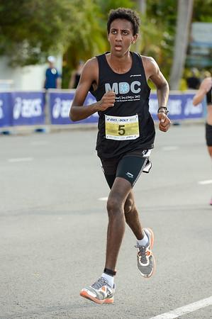 Micael Brownlee - 2012 ASICS Bolt 5km Run (Asics 5k Bolt) - Men & Women; Mooloolaba, Sunshine Coast, Queensland, Australia; 03 November 2012. Photos by Des Thureson