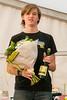 Beloning als winnaar van de jogging: een boeket bloemen en een fles Hommelbier - 5de Kermisloop - Elverdinge - West-Vlaanderen - België