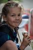 Sportvoeding kan je het niet noemen: een ijsje als beloning naast een medaille - 5de Kermisloop - Elverdinge - West-Vlaanderen - België