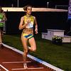 De Luxemburgse Martine Melina met in haar kielzog Evy Hens op de 3.000 M