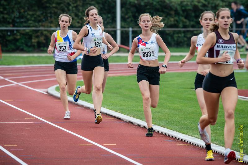 Lieselotte Schellekens (161), Michèle De Smet, Lise Boonen, Antse Meylaerts, Lesely Vanderhoven & Ilke Vermeulen op de 800 M