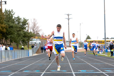 Gerring's Danny O'Boyle finishes first in the boys 400 meter